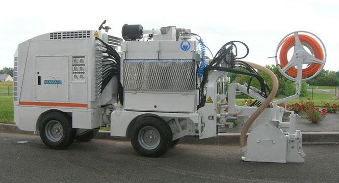Trenching Machines Working : Marais tunisia trenching mechanic laying geodetection